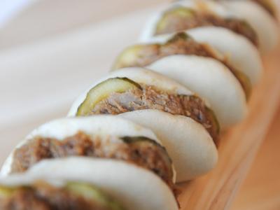 Gua Bao de Panceta y Pepinillos con Salsa Hoisin 4