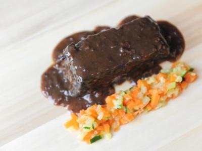 Menú 14 - Lingote de Carrillera de Ternera Estofada con Verduras 2