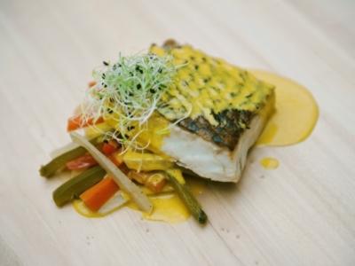 Menú 6 - Suprema de Corvina con Salsa Thai sobre Bastones de Verduras 4