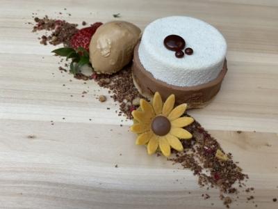 Tarta Versalles con Helado de Café Blanco de Etiopia